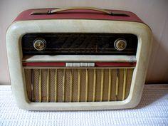 Vintage radio: Cortina P16 model, Prior Radiofabrikk, Oslo, Norway 1954