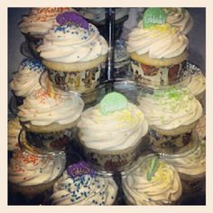 Photo by crystaldesignstudio. Her cupcakes are the best. Peanut Butter Banana, The Best, Heaven, Cupcakes, Crystals, Instagram Posts, Desserts, Food, Tailgate Desserts