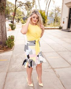 16 New ideas for how to wear crop tops plus size casual Curvy Girl Outfits, New Outfits, Cute Outfits, Fashion Outfits, Womens Fashion, Curvy Fashion, Plus Size Fashion, Formal Fashion, Sneakers Street Style