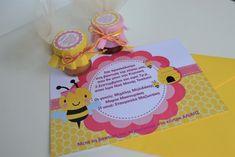 Πρόσκληση και μπομπονιέρα βάπτισης με θέμα τη μέλισσα