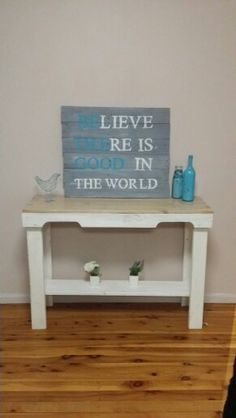 Pallet table, pallet sign & painted wine bottle Vase. Cost to make - free if you already have paint