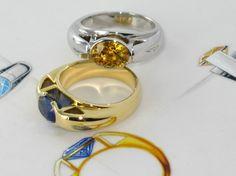 Bagues Pythagore or blanc & jaune saphirs bleu & jaune