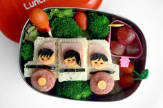 We love this idea. Add a little punch to your child's lunch!  Featuring a Lunch Bots container.