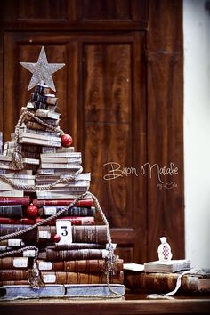 **Christmas Book Tree