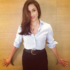Rachel Zane, girlfriend knows how to wear a dress shirt