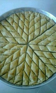 home baklava with pictures , Turkish Baklava, Gluten Free Recipes, Healthy Recipes, Baklava Recipe, Desi Food, Bread And Pastries, Football Food, Easy Cake Recipes, Bon Appetit