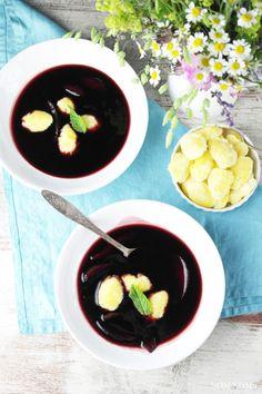 {zwilling #kochtopfreise} fliederbeeren-suppe mit griessklösschen (holundersuppe) ❤ (werbung)
