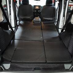 NitePad Camping Bed Mattress Pad Cushion for Jeep Wrangler JKU 4 Door BLACK/Black. Xprite's patented NitePad® premium sleeping pad is designed specifically to fit the Jeep Wrangler Unlimited Door) back space. Acessórios Jeep Wrangler, 2018 Jeep Wrangler Unlimited, Jeep Jk, Jeep Wrangler Four Door, Jeep Gear, Jeep Wrangler Accessories, Jeep Accessories, Volkswagen, Black Jeep