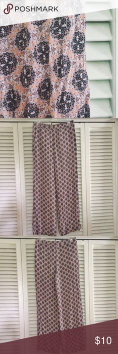 Damask Palazzo Pants Fun boho chic style palazzo pants from H&M. Super comfy & lose style. Colors are black, tan, orange. Pockets on both sides, like new condition! H&M Pants