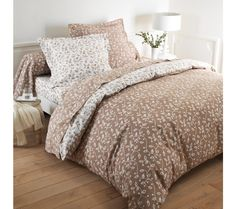 Posteľná súprava Liz s motívom lístkov Comforters, Blanket, Furniture, Home Decor, Bedding, Linens, Home Decoration, Flannel, Creature Comforts