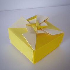 May 7th 2015 Origami box with star I made yeaterday. #origami #box #yellow #star #paper #folding #diy #craft #handmade #127
