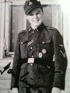 Bjorn Lindstad enlisted as a volunteer in the The Norwegian legion at 17 years old. After the war he wrote a diary with detailed descriptions of his experiences at the Eastern Front. His book came out last year but its only in Norwegian :( but if you speak the language then heres the book… https://www.tanum.no/_faglitteratur/historie-og-arkeologi/den-frivillige-bj%C3%B8rn-lindstad-9788248911630 (He's on the right in the 3rd Photo and the other man has the last name Karlsen)
