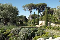 I believe this garden is in Pasadena CAJust wonderful...Jardin provençal photo Nathalie Pasquel