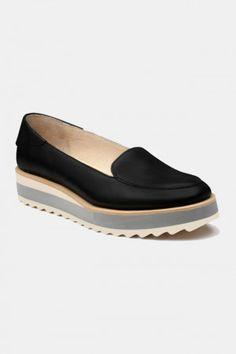 Zapatos para Mujer Modelo Black Gum. Los mejores amigos de todas las chicas, siempre listos para completar nuestros outfits sea invierno o sea verano; estamos hablando claro de los zapatos de mujer. Adorna tus piernas y todos tus looks con increíbles zapatos de mujer que reflejen tu estilo y acompañen tu ropa y que incluso sean el centro de atención. Encuentra los modelos más increíbles de zapatos de mujer en Fashoop visitando https://www.fashoop.com/mujer/zapatos-de-mujer.html
