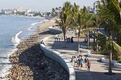 Image 6 of 27 from gallery of Puerto Vallarta Seafront / Trama Arquitectos. Photograph by Alejandro Cartagena Puerto Vallarta, Landscape Architecture Design, Landscape Architects, Urban Nature, River Bank, Beach Design, Beach Landscape, Urban Life, Island Beach