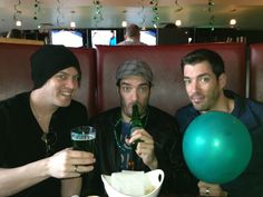 Not that it needs to be St. Patrick's Day to enjoy a beer with my brothers but it was. Green beer! @MrSilverScott @Drew Scott