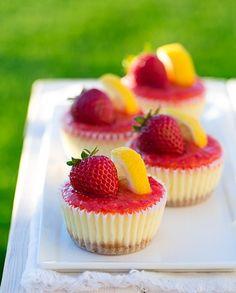 Strawberry Lemonade Cheesecake Cupcakes