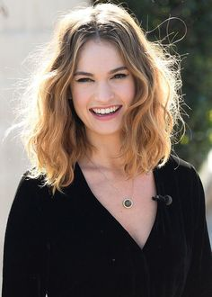 Lily James Best Medium Hairstyles to Inspire Lovely Girls   Hairstyles Trending