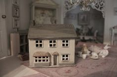 A shabby greige dollhouse in 1:144 scale, the dollhouse for dollhouse!