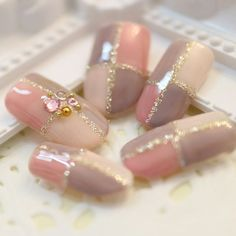Cute Nail Art Ideas to Try - Nailschick Nail Art Designs Videos, Cute Nail Designs, Fancy Nails, Pretty Nails, Japan Nail Art, Lily Nails, Romantic Nails, Plaid Nails, Swag Nails