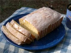 T his is a Top Secret recipes version of Starbucks Lemon loaf. It has a pound cake consistency. I have not had Starbucks to compare, but. Just Desserts, Delicious Desserts, Dessert Recipes, Yummy Food, Fun Food, Loaf Recipes, Cooking Recipes, Cake Recipes, Granola