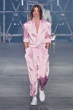 Balmain Spring 2020 Menswear Fashion Show - Vogue Fashion Week, Fashion 2020, Look Fashion, Paris Fashion, Runway Fashion, High Fashion, Mens Fashion, Fashion Design, Fashion Trends