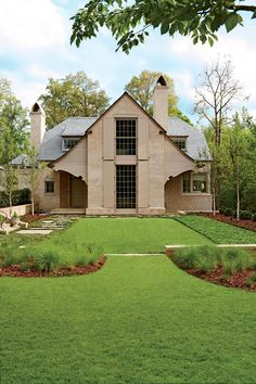 """About Face - Best New Home - Southernliving. Ken Pursley is serious when he refers to the homes he creates as mutts. """"They are not purebreds, but rather, I tend to draw on a lot of houses and precedents. What really matters is the emotion a house generates,"""" says the Charlotte, North Carolina-based architect. For one hometown client, he looked to the early 20th-century work of Edwin Lutyens, a British architect known for adapting traditional styles of rural England to fit the times.    The…"""