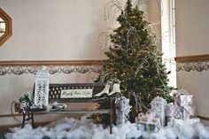 Winter Park Bench Scene #wedding #Christmas