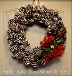 Christmas%2520Pinecone%2520Wreath_thumb%255B3%255D.jpg (733×772)