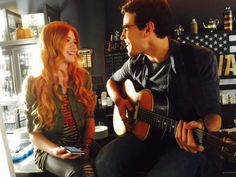 Kat and Alberto Clary and Simon Shadowhunters TMI The Mortal Instruments Simon And Clary, Clary E Jace, Shadowhunters Tv Series, Shadowhunters The Mortal Instruments, Alberto Rosende, Shadowhunter Academy, Simon Lewis, Jamie Campbell Bower, Family Tv