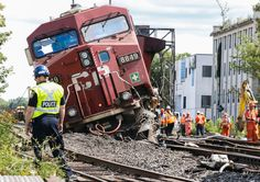 Canadian Pacific freight train derailed near Howland Ave. and Dupont St. Sunday August 21, 2016. (Dave Thomas/Toronto Sun)