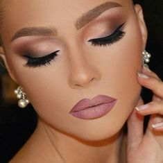Maquiagem para noiva – Makeup casamento maquiagem para o dia mquiagem para noite… Braut Make-up – Hochzeits Make-up Abend Make-up Abend Make-up Schwarzes Haut Make-up Blondes Make-up Orientalisches Make-up Gorgeous Makeup, Pretty Makeup, Love Makeup, Makeup Tips, Makeup Ideas, Makeup Tutorials, Makeup Inspo, Makeup For Gold Dress, Makeup Jokes