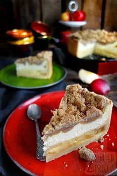 This apple cheesecake is a dream! Perfect for those who can not decide between apple pie, cheesecake and crumble cake. This apple cheesecake is a dream! Perfect for those who can not decide between apple pie, cheesecake and crumble cake. Apple Cheesecake, Cheesecake Recipes, Dessert Recipes, Cupcake Recipes, Pie Recipes, Food Cakes, Cakes Originales, Cheese Cake Receita, Cinnamon Crumble