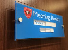 Sliding Door Sign - vacant or engaged Meeting Room Signs http://www.de-signage.com/Officesigns.php