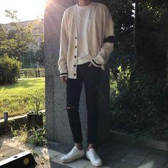 Look at this Gorgeous korean fashion outfits Streetwear Mode, Streetwear Fashion, Mode Man, Korean Fashion Trends, Korean Male Fashion, Asian Fashion, Korean Men, Korean Outfits, Korean Clothes