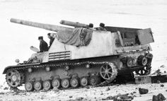 15cm Panzerfeldhaubitze 18M auf GW III/IV (Sf) Sd Kfz 165 Hummel. Around 700 were built & given to Panzer-Divisions. They were very useful due to their mobility. First saw action in July 1943 during Operation 'Zitadelle' (Kursk)