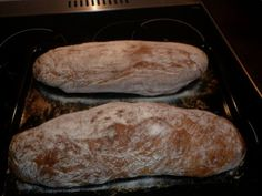 Chlieb z pekáča • recept • bonvivani.sk Bread, Food, Essen, Buns, Yemek, Breads, Sandwich Loaf, Eten, Meals