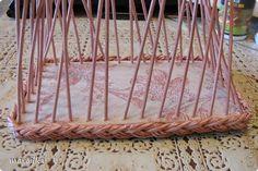 Мастер-класс Плетение Коса на дне коробочки Мастер-класс Бумага газетная Трубочки бумажные фото 1