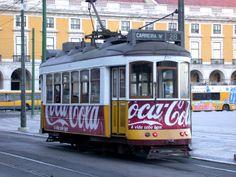 Podemos pensar o que queremos da marca, en todo caso, o electrico Coca Cola é mesmo bonito.