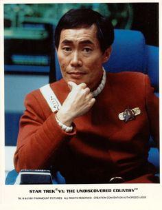 George Takai as Mr. Sulu in the original Star Trek franchise. Scotty Star Trek, Star Trek 1, Star Trek Warp, Star Trek Crew, Star Trek Ships, Star Trek Characters, Star Trek Movies, Star Trek Original, Star Trek Enterprise