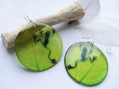 Resin Transparent Green Earrings with Frog by WonderLandBijouterie