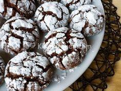I biscotti al cioccolato morbidi sono dei golosi dolcetti con cioccolato fondente. La ricetta perfetta per gli amanti del cioccolato. Ottima.