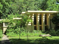 Frank Lloyd Wright Prairie Style francis w little house one. 1902. peoria, illinois. prairie style