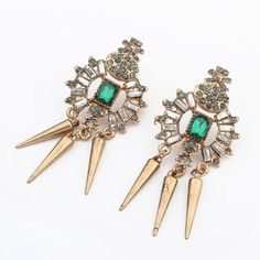 Morning you gorgeous what do you think of these spike earrings? Add some edge to your style! Soon available www.misha.tn ‪#‎emelrad‬ #color #crystal #boucles #MISHAxME #soon #shopping