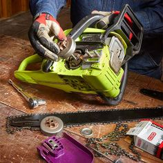Keeping your chain saw's bar, chain and drive sprocket in tip-top shape involves more than regular chain sharpening and re-tensioning. Even with meticulous care, a chain saw's drive sprocket and bar eventually wear out and must be replaced. Chainsaw Repair, Chainsaw Mill, Lawn Mower Repair, Tactical Holster, Yard Tools, Lawn Equipment, Engine Repair, Small Engine, Home Repairs