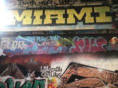 有街區管理的街頭塗鴉|邁阿密 & 倫敦 Broadway Shows, Places, Lugares
