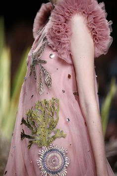 Mogambo by Jorge Vazquez Grace Kelly, Jimmy Choo, Everything Pink, Embroidery Art, Fashion Details, Female, Sewing, Ava Gardner, Mercedes Benz