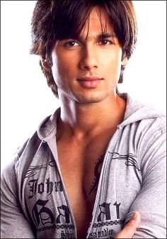 Shahid Kapoor - Yet another Bollywood hottie who's a great dancer. Is it something in the water?