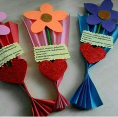 Please your Mom and grandma with some of the adorable and cute handmade gifts and crafts this Mothers day. And by the way, Mothers Day falls on easy valentine crafts for kids to makeFind out about mothers day crafts ideasThis Pin was discovered Kids Crafts, Mothers Day Crafts For Kids, Crafts For Kids To Make, Art For Kids, Diy And Crafts, Paper Crafts, Mother's Day Projects, Back To School Crafts, Valentine Crafts For Kids