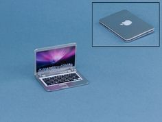 Apple Mac - opens and closes - Manor House Miniatures